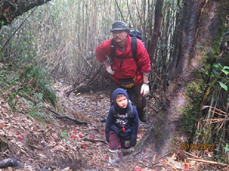 Trekking Fansipan With family