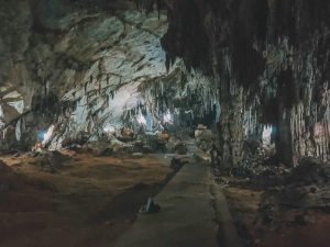 Hua Ma Cave - Ba Be National Park