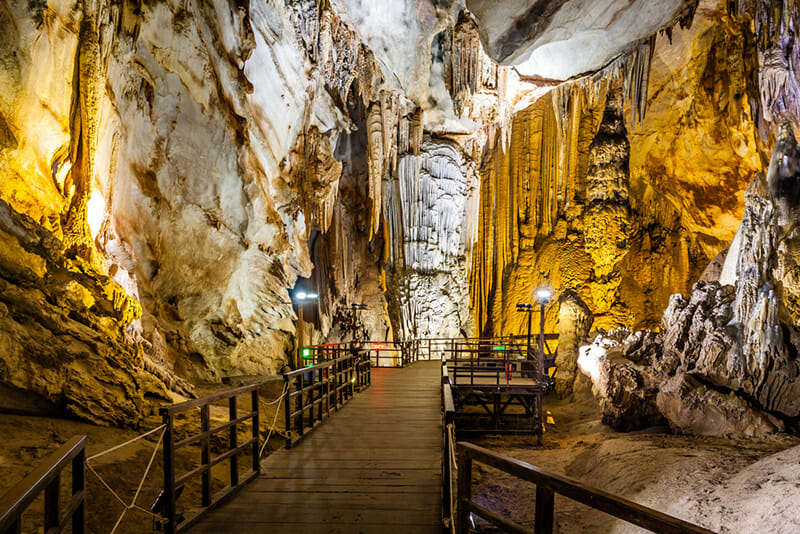 Paradise Cave in Phong Nha - Ke Bang